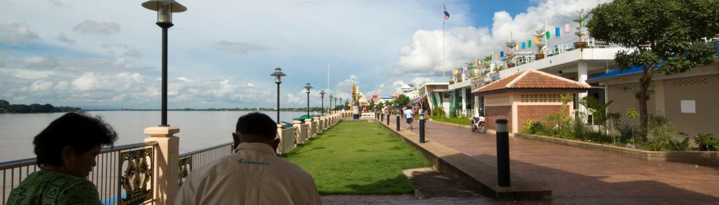 lungofiume di Nong Khai (Thailandia)