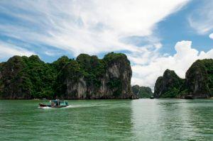 Rocce a picco della  Baia di Halong