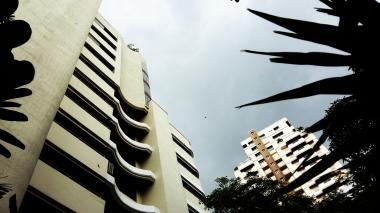 Grattacieli intorno alla casa