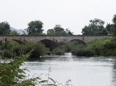 Il ponte ad arcate che collega Don Kone a Don Det